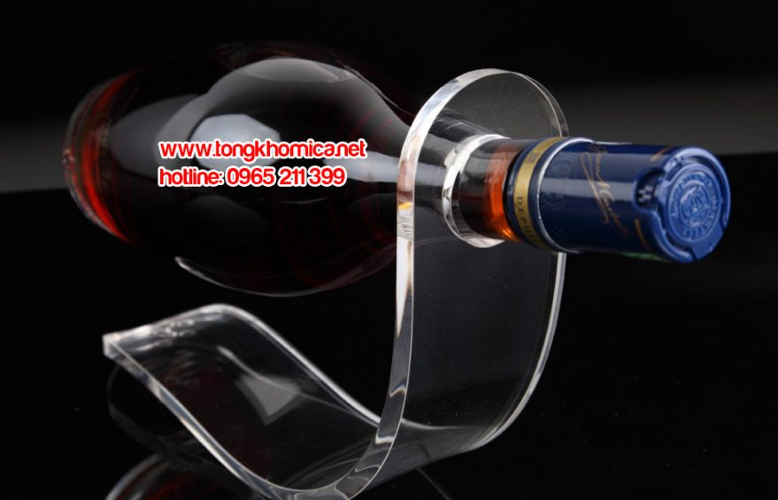 ke ruou mica0 1 879x565 - Kệ trưng bày chai rượu mica