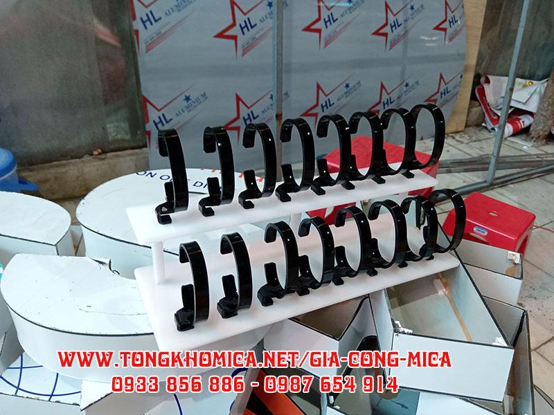 ke mica trung bay dong ho 2 - Kệ trưng bày đồng hồ mica