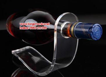 Kệ trưng bày chai rượu mica