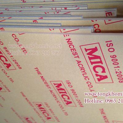 tam nhua mica trong 400x400 - Cửa hàng mica Thủ Đức chuyên bán mica sỉ và lẻ