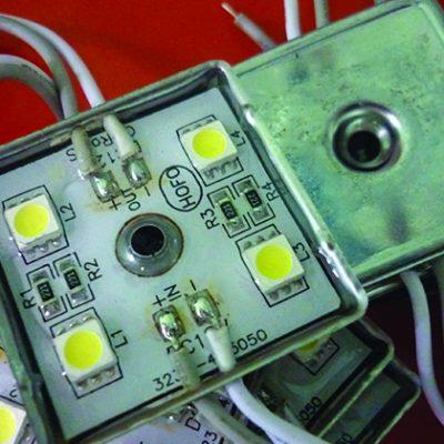 led b4 02 400x400 - Cung cấp đèn led quảng cáo làm bảng hiệu chữ nổi Mica