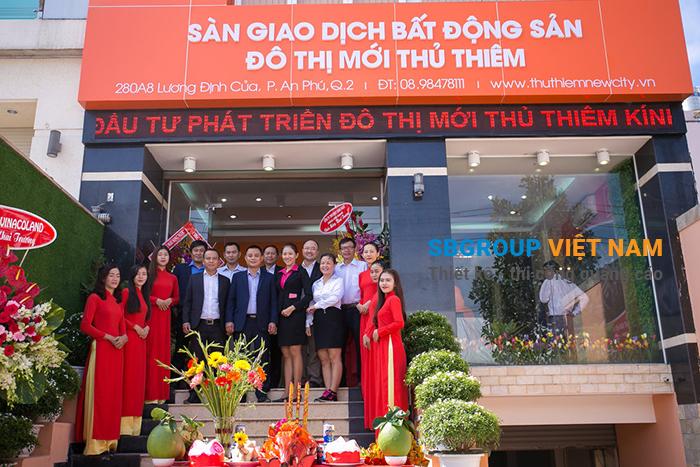 mau bang hieu cong tybds - Cung cấp tấm mica làm bảng hiệu quảng cáo, gia công, trang trí nội ngoại thất